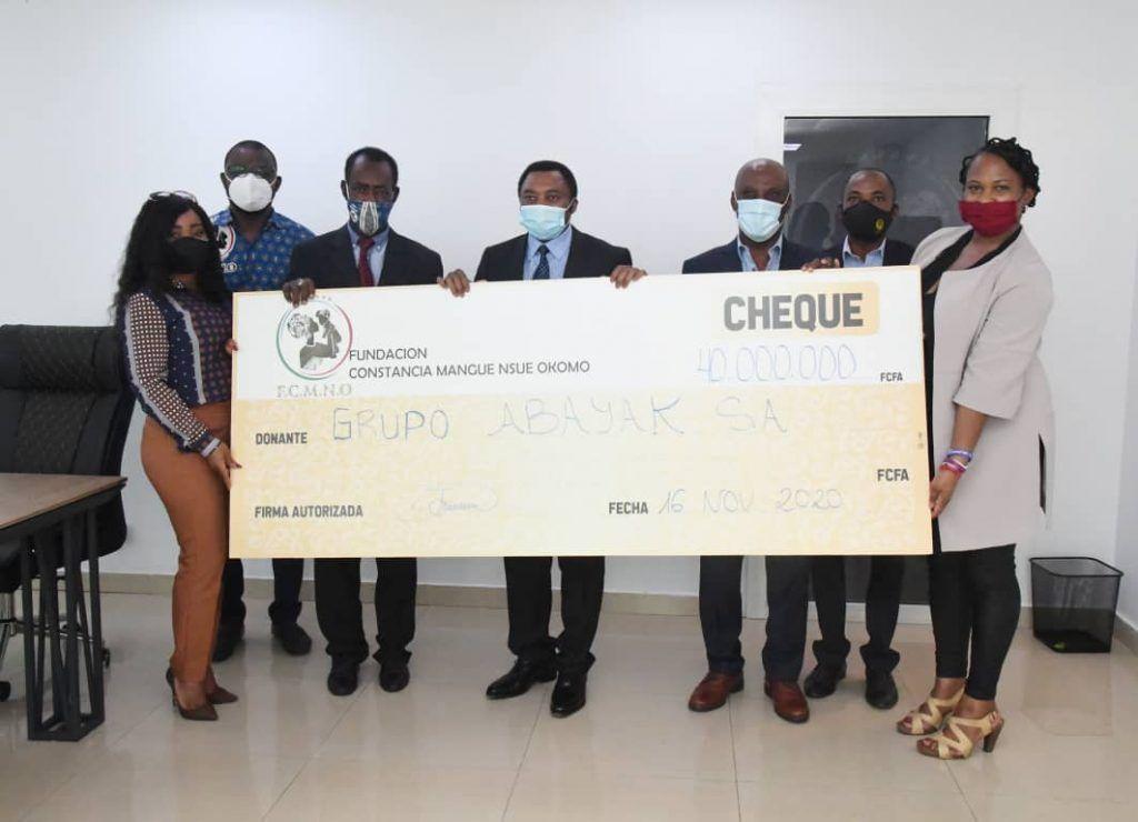 Donación a la Fundación Constancia Mangue Nsue Okomo