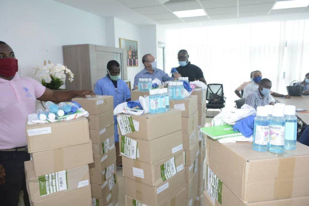La Fundación Constancia Mangue Nsue Okomo dona material profiláctico a los centros educativos de Malabo