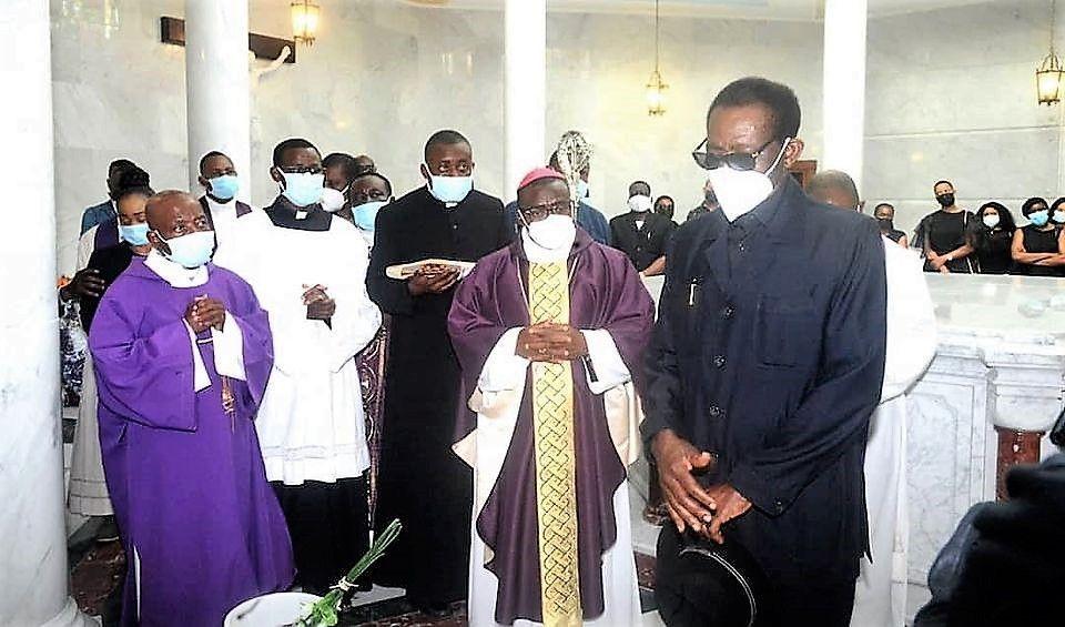 Solemne entierro de Doña Carmen Mbasogo Nguema Mikue