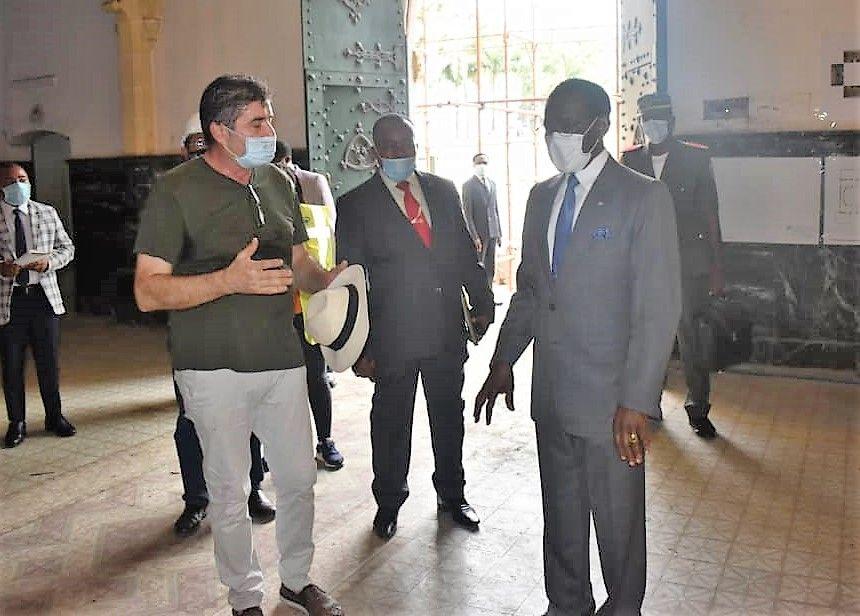 El Jefe de Estado visita las obras de la Catedral de Malabo
