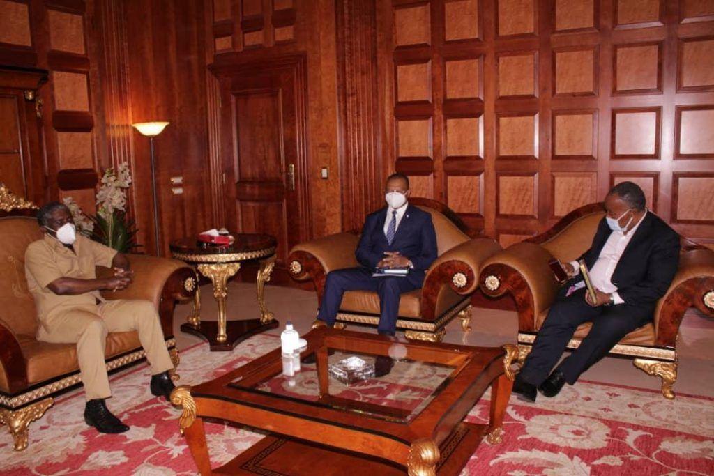S.E. Teodoro Nguema Obiang recibe al Presidente del BDEAC