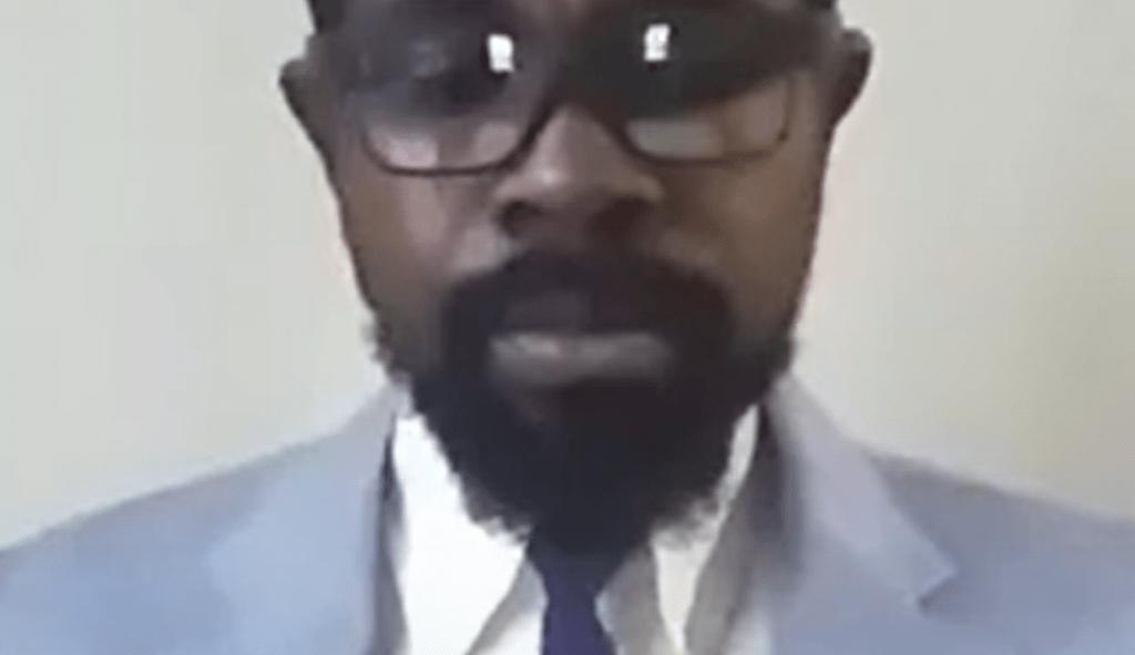 Un pseudo activista de la diáspora acusa al Gobierno de EEUU de limitar su libertad política