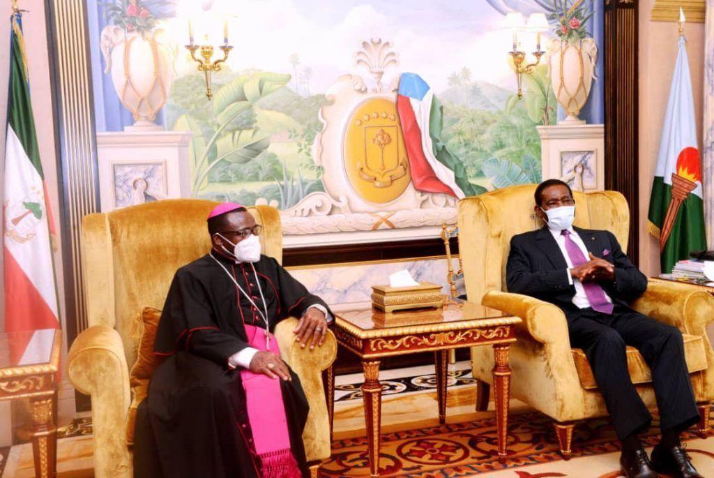 Encuentro del Jefe de Estado con Monseñor Juan Domingo Beká Esono