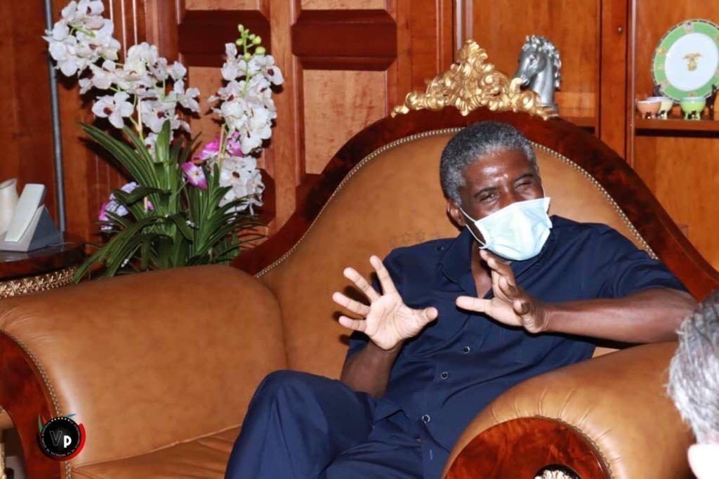 Nguema Obiang Mangue gestiona la evacuación de cinco ciudadanos ecuatoguineanos víctimas del 7M en Bata