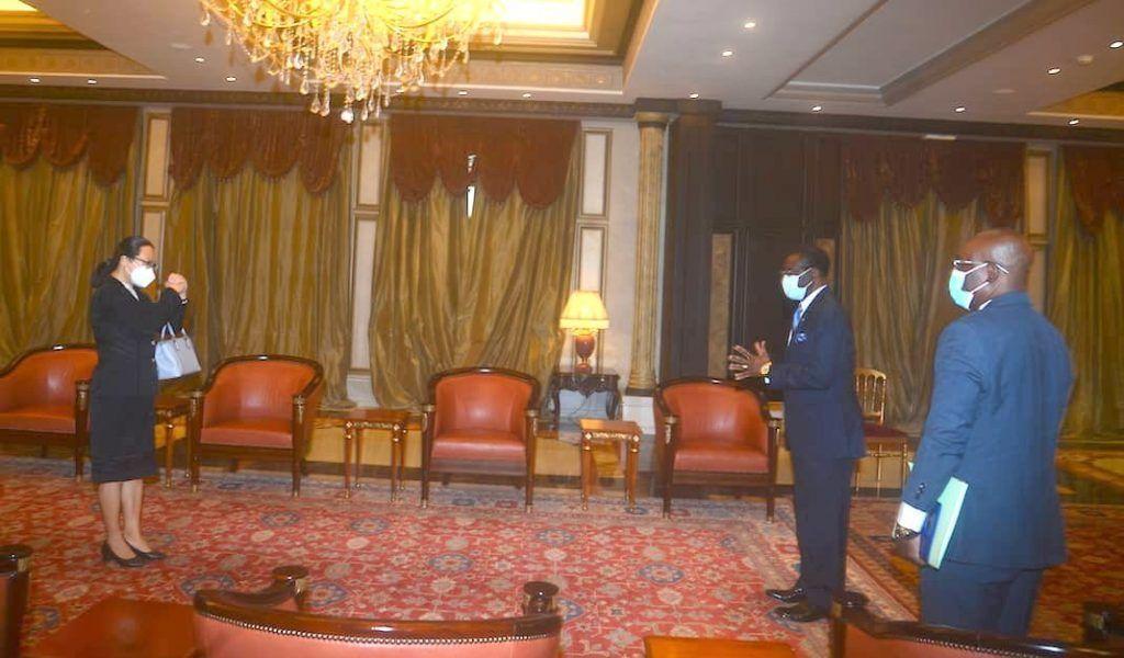 El Jefe de Estado recibe a los Embajadores de China y España