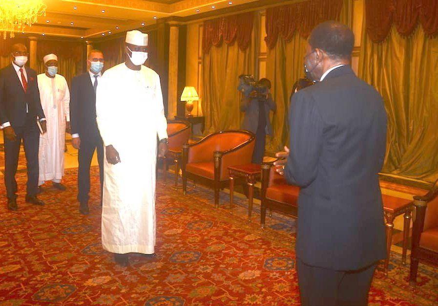 El Jefe de Estado recibe a una delegación de Chad