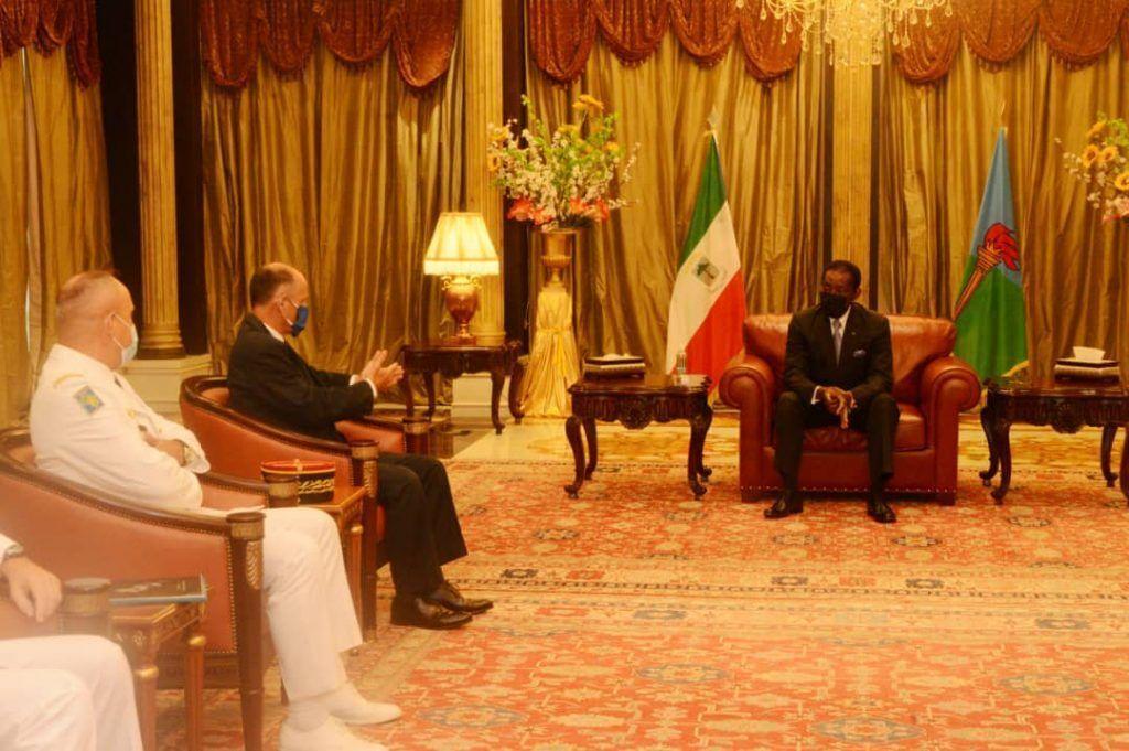 Reunión del Presidente con una delegación francesa sobre temas de defensa