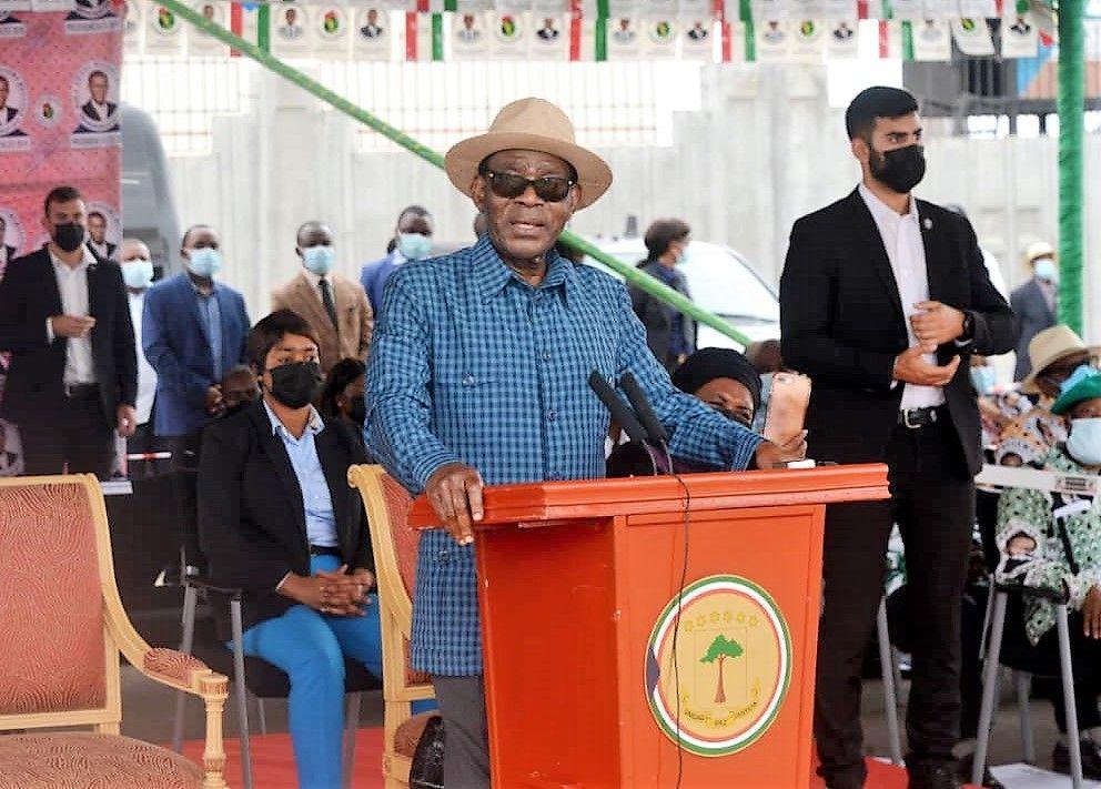 Inauguración del monumento al Jefe de Estado en Mongomo