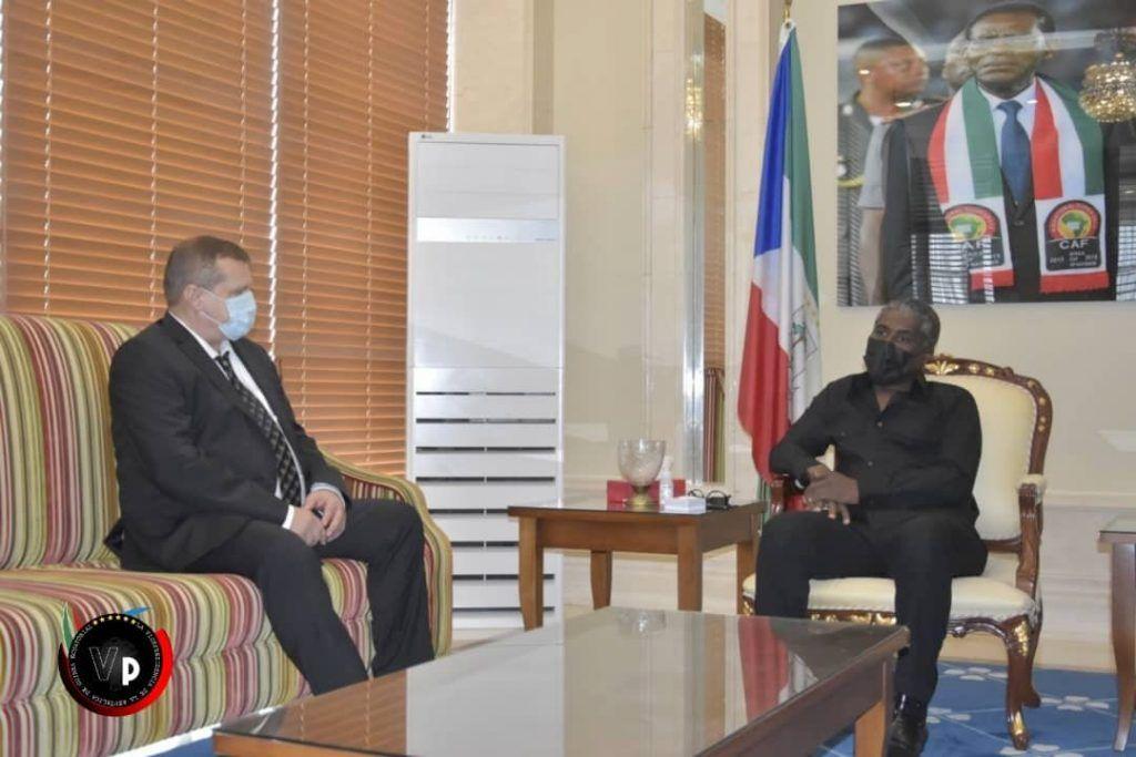 El Vicepresidente recibe al Embajador de Rusia