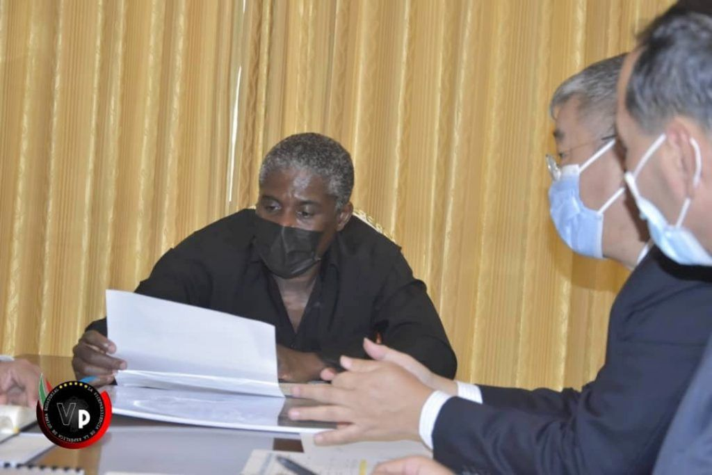 Nguema Obiang Mangue ultima los detalles para la construcción de un memorial por el 7M