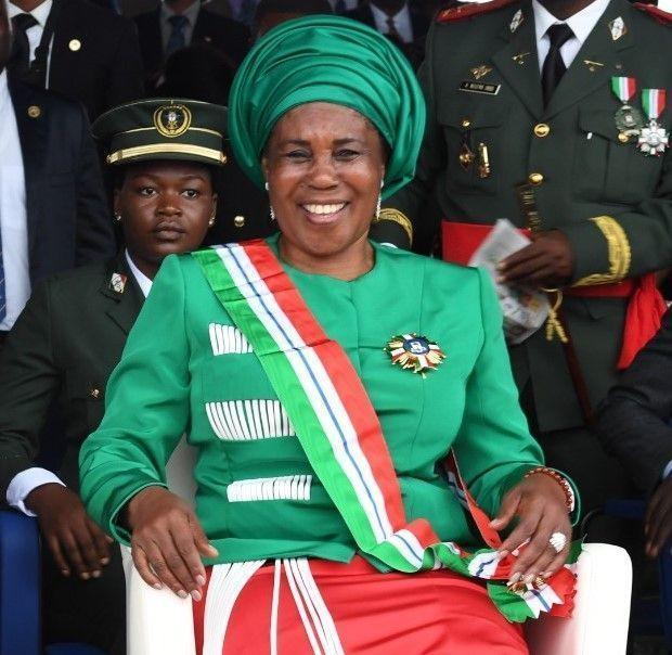 Moción de agradecimiento de la Excma. Sra. H.M. Constancia Mangue Nsue Okomo