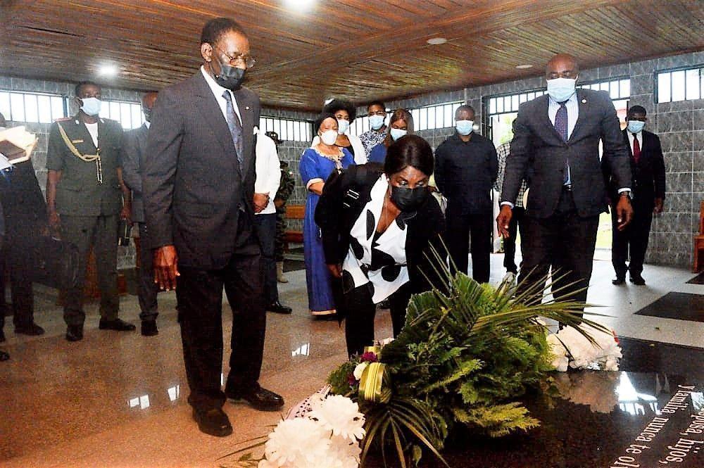 El Jefe de Estado rinde homenaje póstumo a Santiago Nsobeya Efuman Nchama