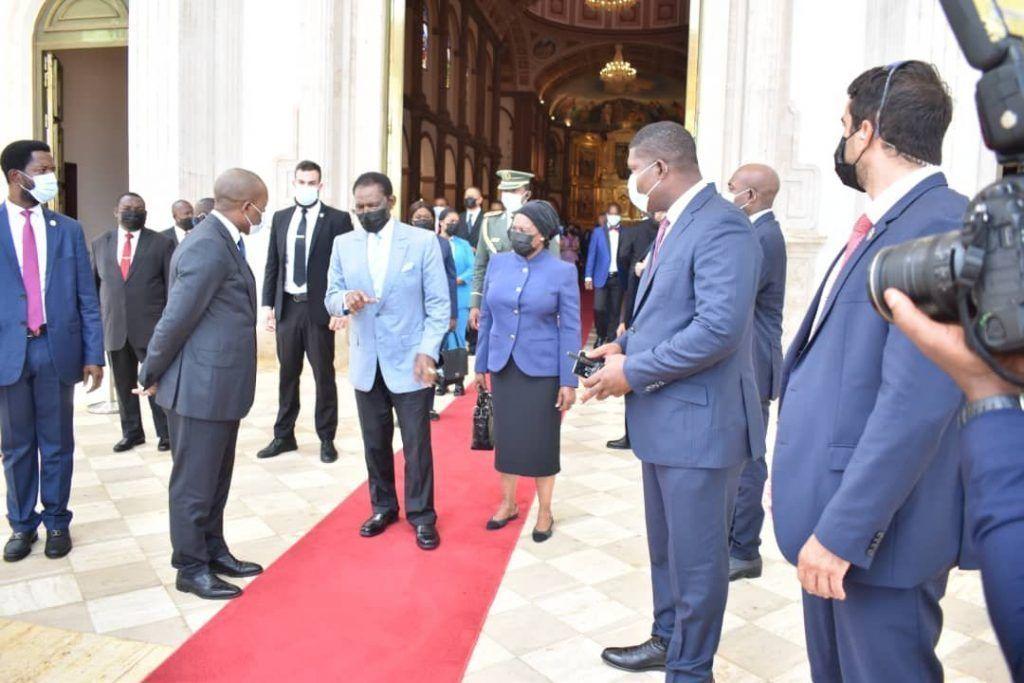 El Presidente y la Primera Dama asisten a la misa por el 53º Aniversario de la Independencia Nacional